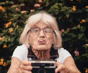 woman-taking-selfie-2050979